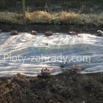 Netkaná textília pre ochranu rastlín cená (1)