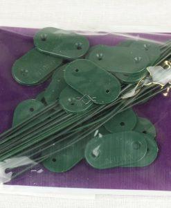 Upevňovač z plastu na upevnenie plastovej bambusovej rohože